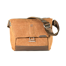 13 In. Everyday Messenger (Heritage Tan) Image 0