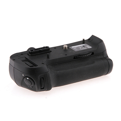 MB-D12 Multi-Power Battery Grip - Pre-Owned Image 0